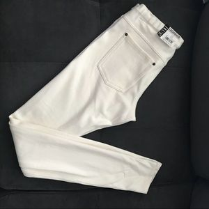 HUE Leggings almost white size small NWT